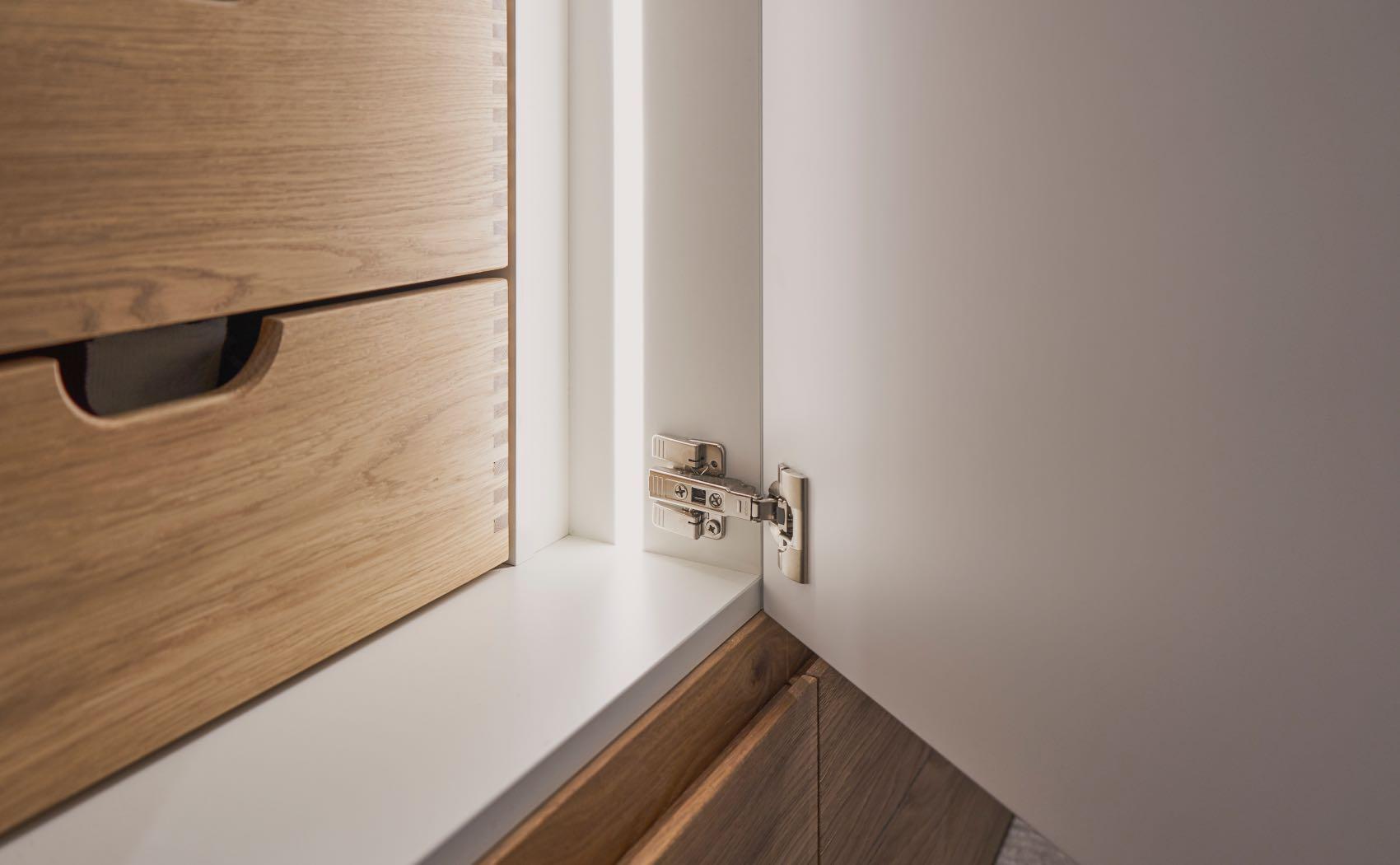 Schrank mit LED Innenbeleuchtung