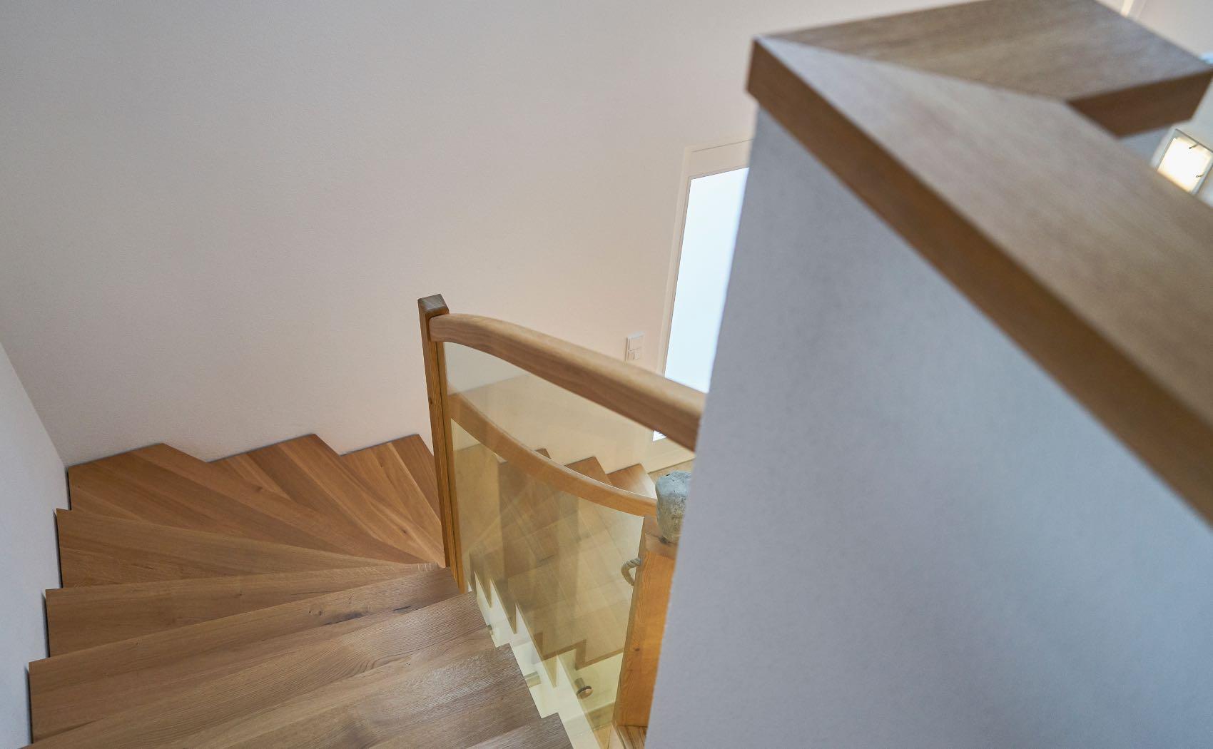 Geländermauerabdeckung passend zur Treppe
