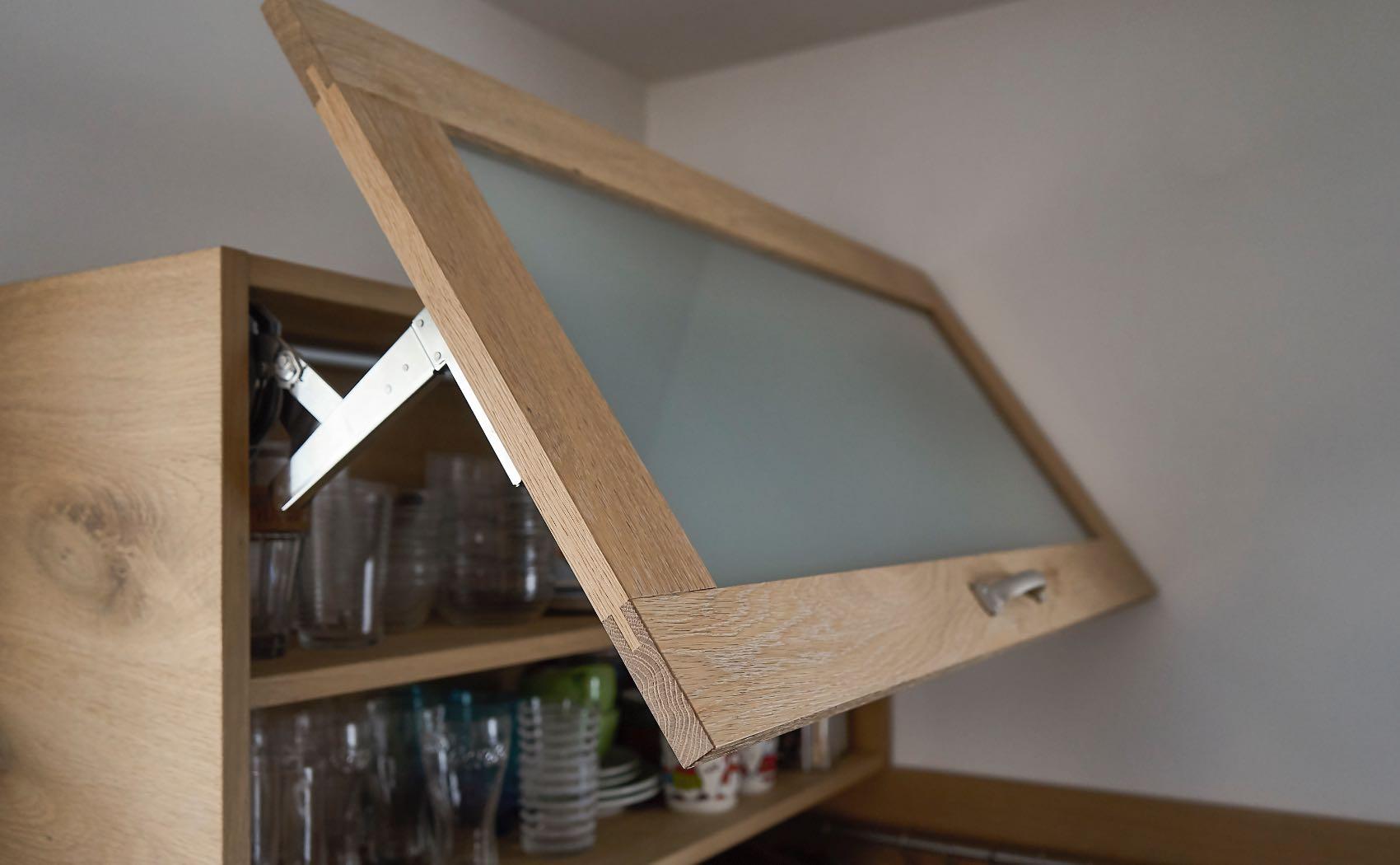 Küchenhochschrank mit Klapptüre